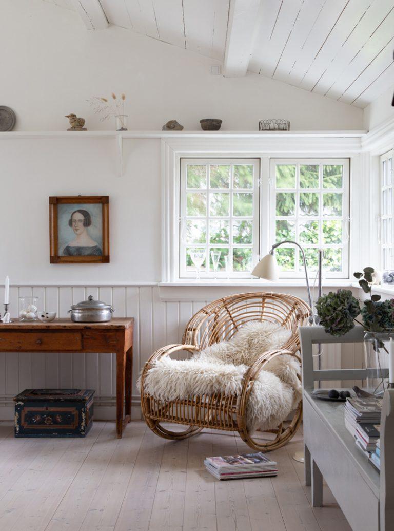 A Lovely Coastal Cottage in Denmark