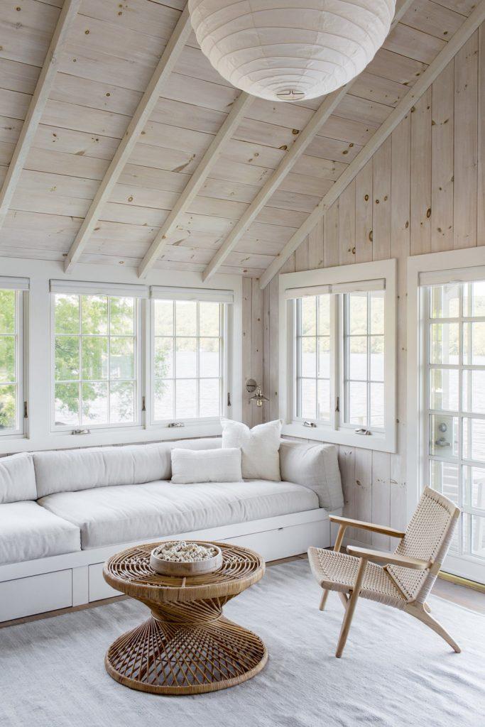 A Light & Modern Lakefront Home